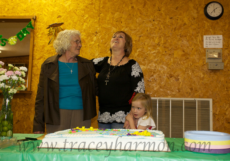 Pam leads family and friends sing happy birthday to Mom. Happy birthday Mom!!!!!!!!!!!!!!!