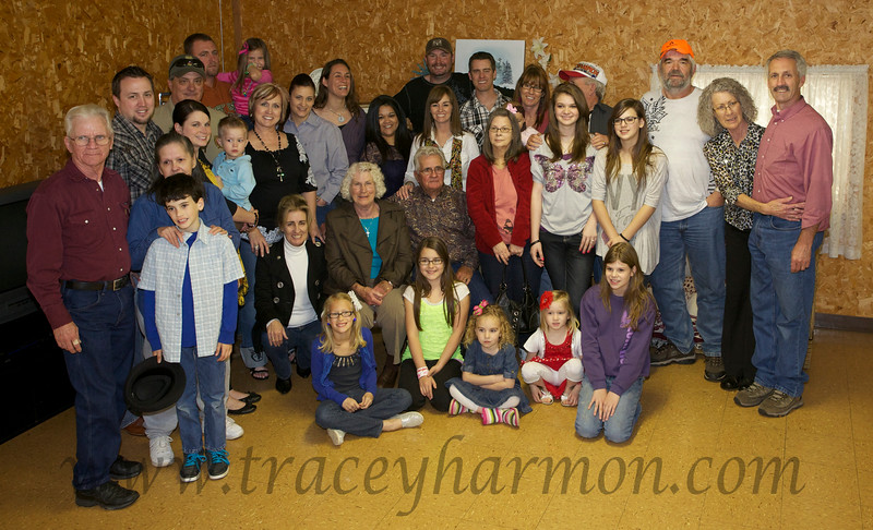 Oh yes, the traditional family photo one is obligated to take at these get-togethers!