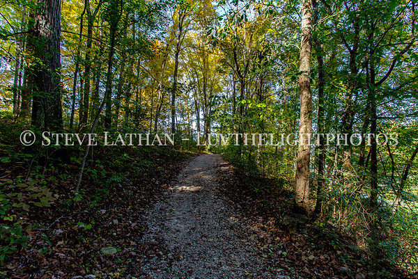 Trail to Lake Nevin