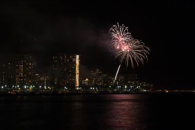 20150424-Hilton-Hawaiian-Fireworks-3965