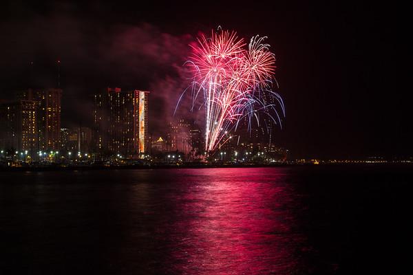Friday Fireworks at Hilton Hawaiian - 4.24.2015