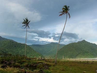 Tsunami survivors, Lamsujen beach, Aceh Besar