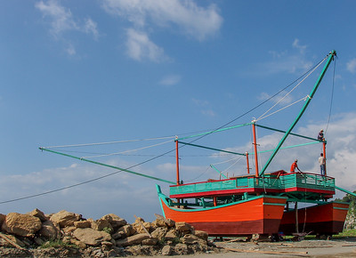 Building a fishing boat, Banda Aceh
