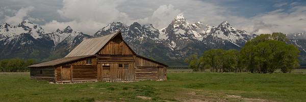 Moulton Barn and the Grand Teton Range