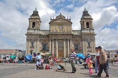 La Catedral Metropolitana en la plaza de la constitucion