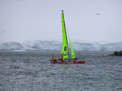 Catamaran Crew Sails to Antarctica Across Drake Passage