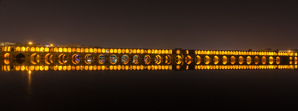 Night capture of Si-o-seh Pol, the most famous of Esfahan's bridges