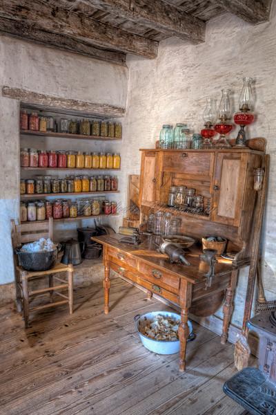 <b>Farmhouse Kitchen  </b>