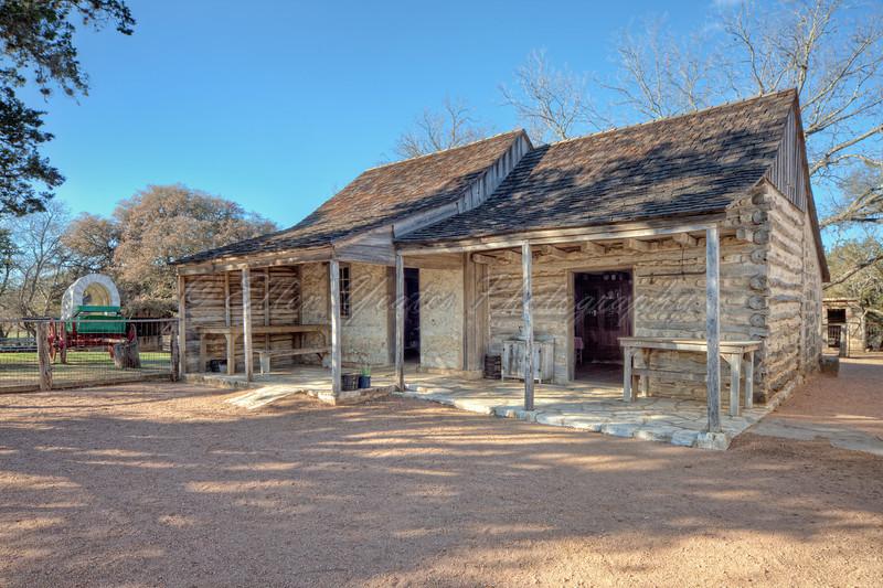 <b> Sauer-Beckmann Log Cabin </b>