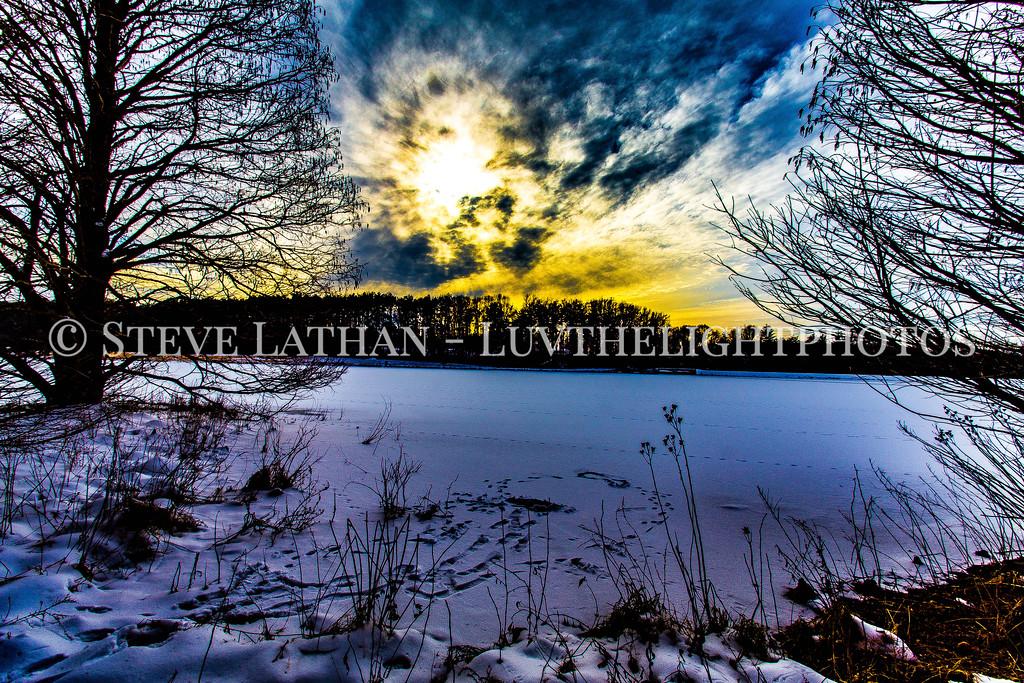 Lake Nevin Sunet
