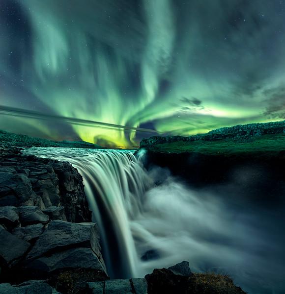 Dettifoss aurora.jpg