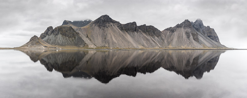 stokksness panorama reflection vestrahorn iceland water moody cloudy mountains beach.jpg