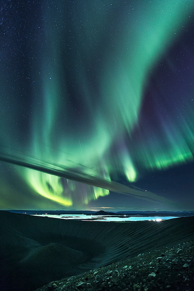 Hverfjall iceland aurora borealis northern lights myvatn stars lake light.jpg