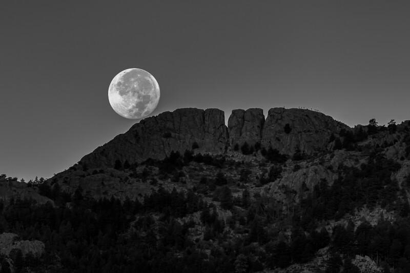 Full Moon At Horsetooth