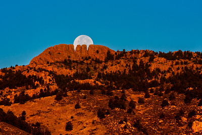 Highlighting the Tooth in Horsetooth Rock
