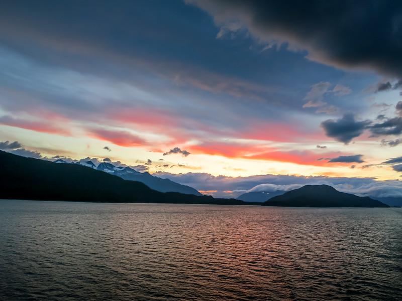 Somewhere in #alaska #glacierhunting.  #thepursuit to #createmore #memories  #nature #travel #explore #earth #landscape #seascape #sunrise