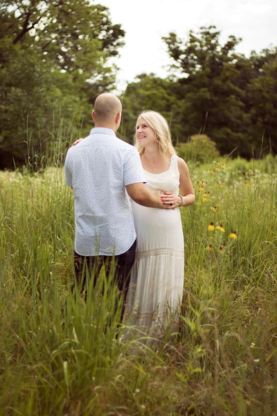 maternity photographer in lake county