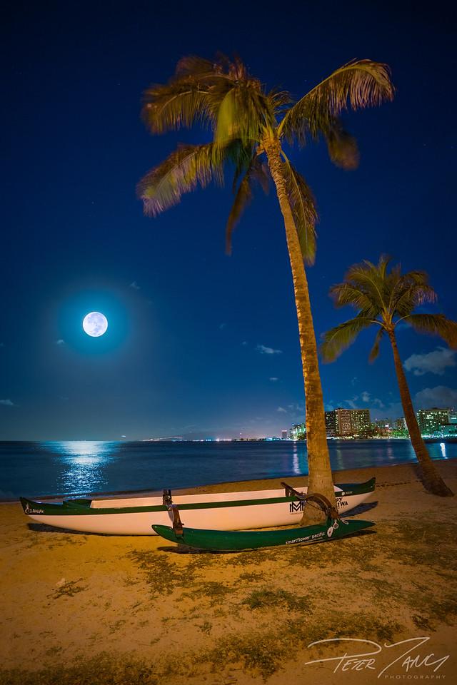 Supermoon over Waikiki Bay