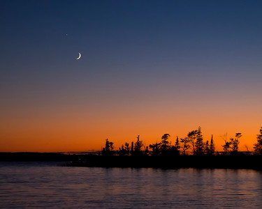 long lake moonrise