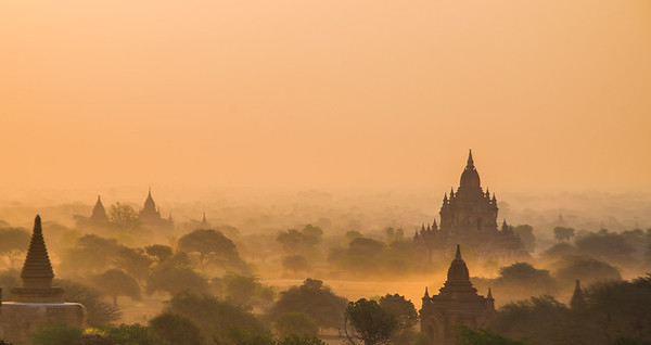 MIsty sunrise in Bagan