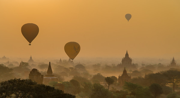 Floating over temples, Bagan