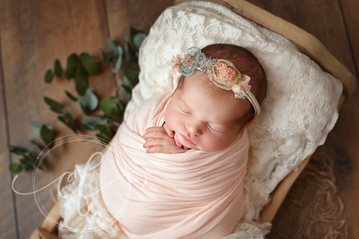 Newborn Photos by Caroline Flynn Photography