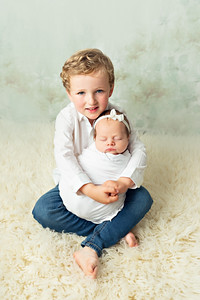 Newborn Photoshoot, sibling and baby, family photos