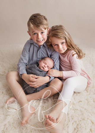 Siblings and baby, newborn photoshoot
