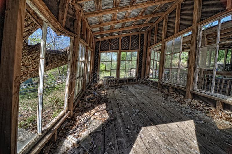 <b> Abandoned Cabin </b>