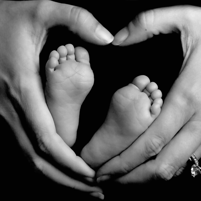 Babies feet are in mommies hearts forever!