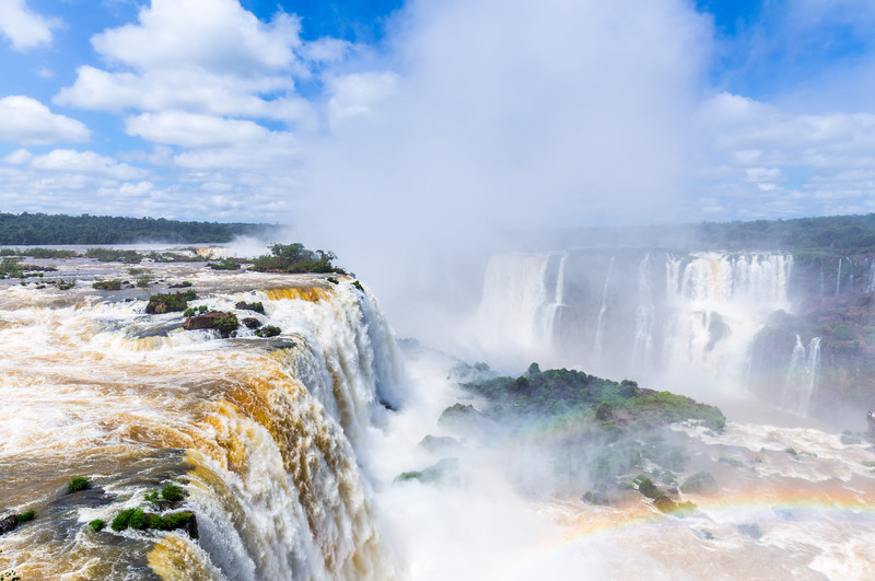 garganta del diablo iguazu and the rainbow