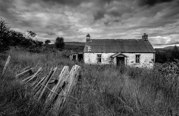 Old Cottage mono