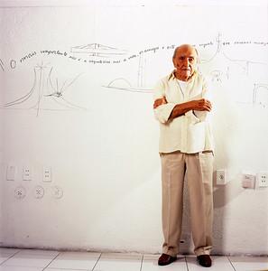 Oscar Niemeyer, arquiteto, Rio de Janeiro, 2005, Brasil.