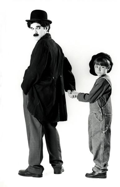 """Tourinho como Chaplin, Ensaio:"""" Ídolos dos ídolos"""", Rio de Janeiro, 1999, Brasil."""