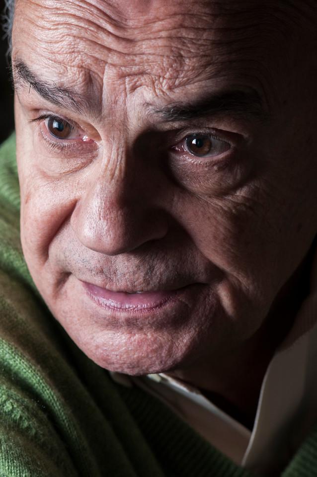 Drauzio Varella, médico oncologista, São Paulo, 2014, Brasil.
