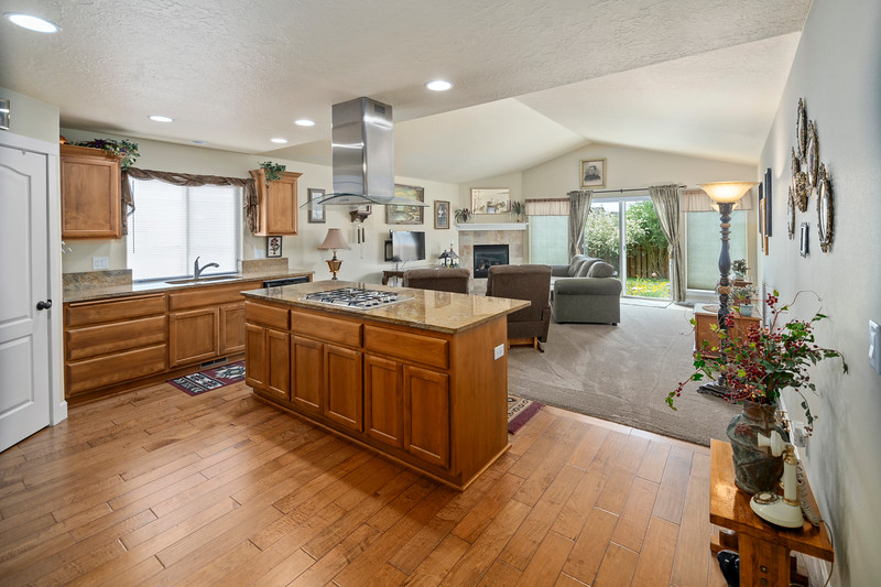 Real Estate photographer bend oregon-21278 Woodruff (8)