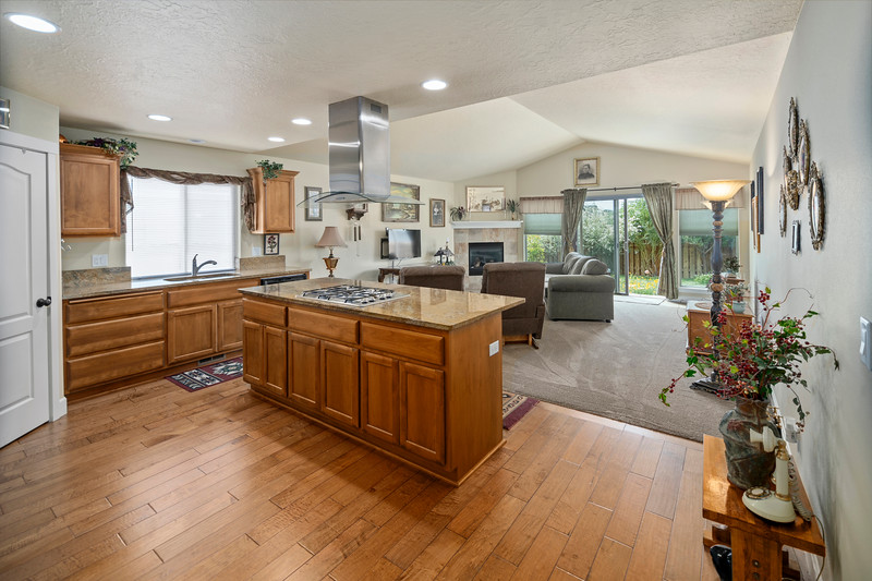 Real Estate photographer bend oregon-21278 Woodruff (9)