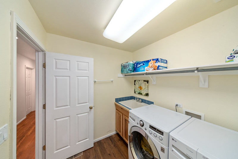 3562 SW Reindeer Ave Redmond OR 97756-16
