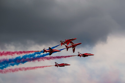 Red Arrows - Breaking Formation
