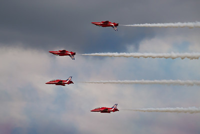 Red Arrows - Mirror Image