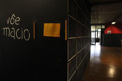 Matéria especial sobre centenário da Faculdade de Medicina da USP.  Prédio da faculdade de Arquitetura (FAU), USP, São Paulo, 2012, Brasil.  Special report about centenary of the Faculty of Medicine, USP. Pictured buiding architecture (FAU), USP, São Paulo, 2012, Brazil.