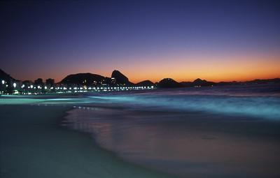 Praia de Copacabana, Rio de Janeiro, 2003, Brasil.