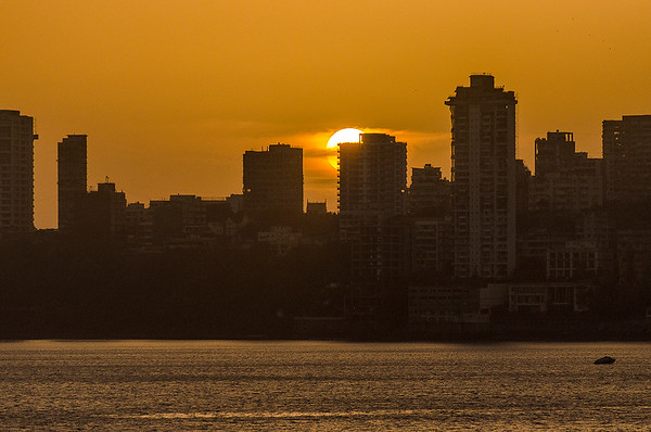 Mumbai's Big Sunset from Walkeshwar / Back Bay