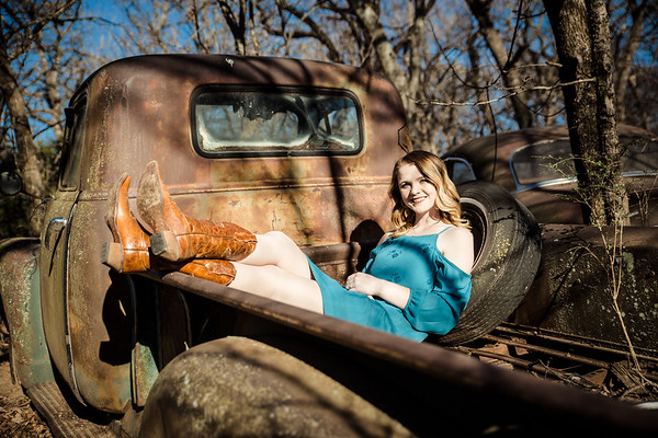 Senior Photos - Rural Girl