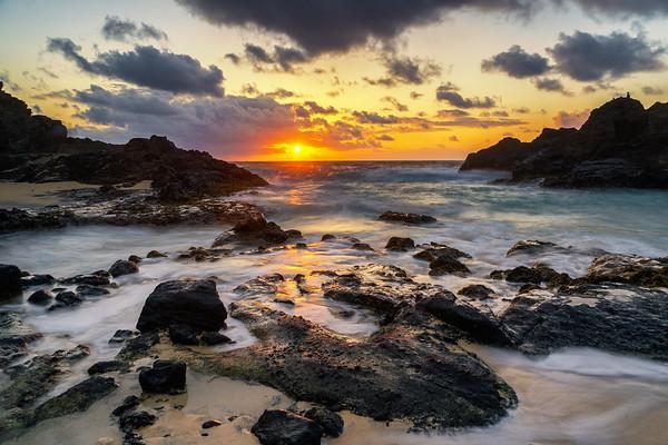 Hālona Beach Cove Sunrise