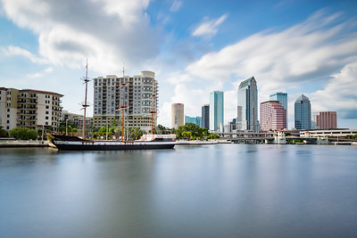 Downtown Tampa vs the Pirate Ship