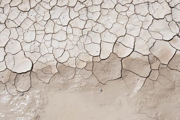 Crack Desert ground