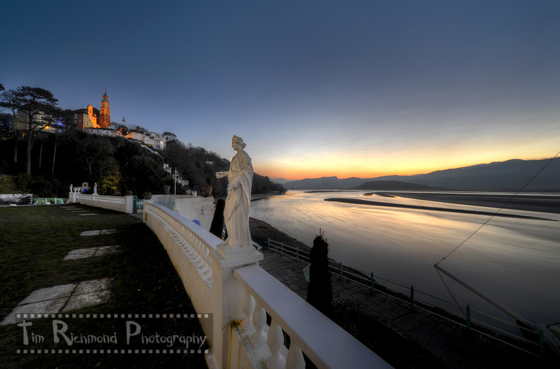 The Statue & The Estuary