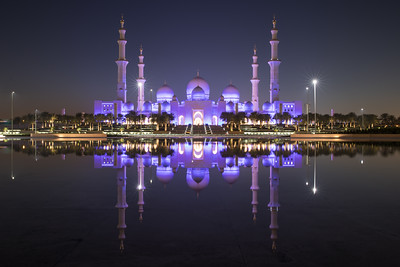 Sheikh Zayed Grand Mosque and it's perfect reflection.