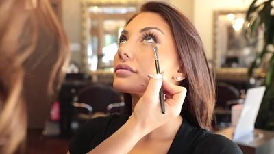 Hair & Makeup By Moni: A Short Video Tutorial
